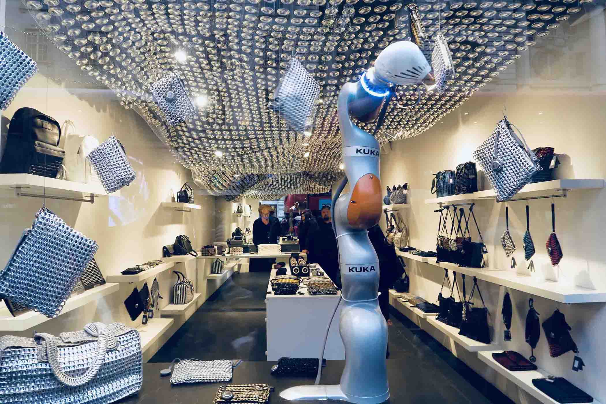 BOTTLETOP flagship: World's first store 3D printed by robots