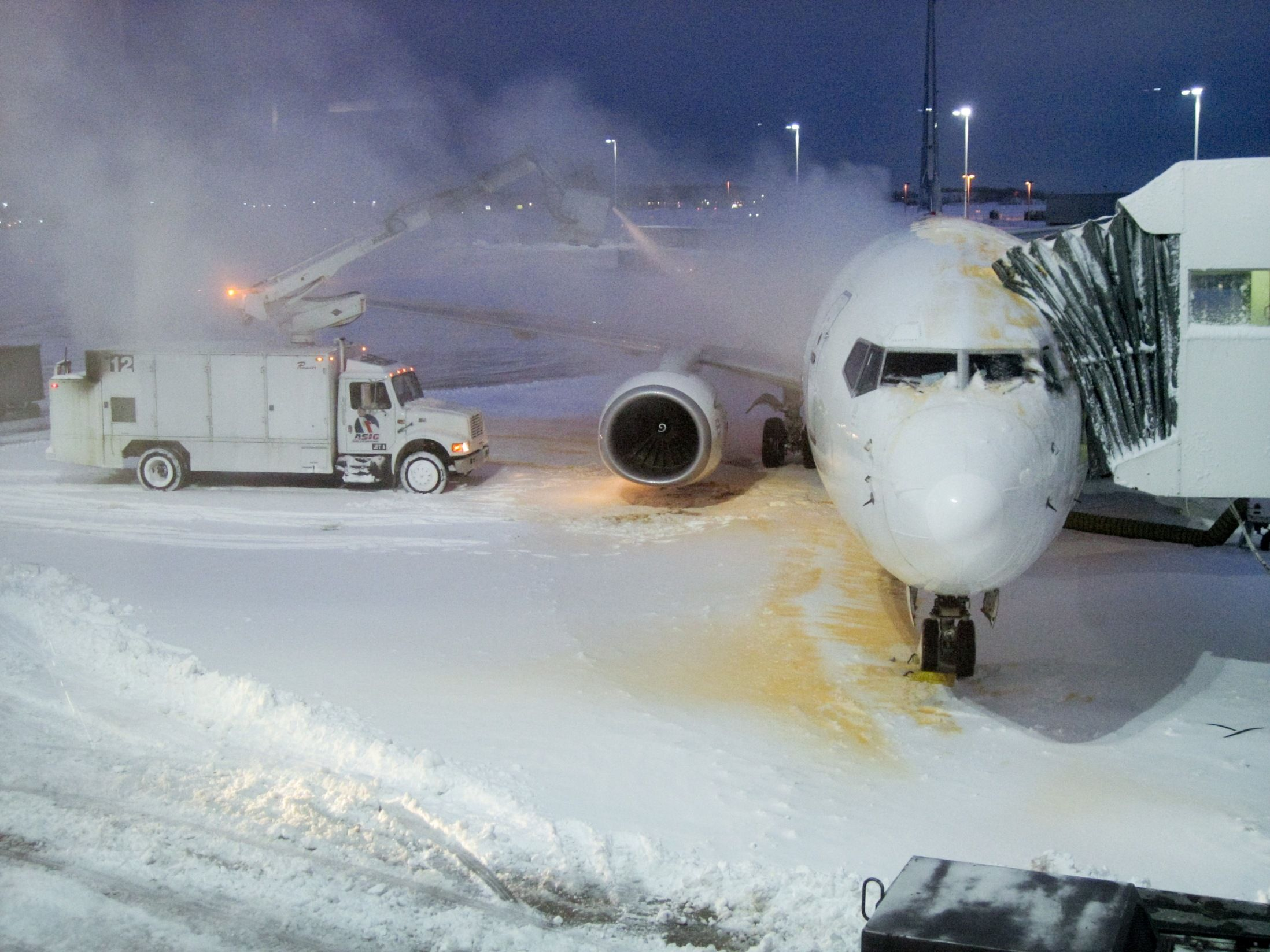 The costly flight delays of deicing